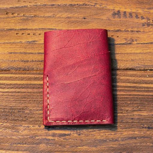 portofel piele visiniu personalizat facut manual