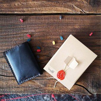 portcard minimalist din piele naturala