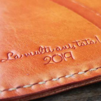 portofel barbatesc cu mesaj personalizat