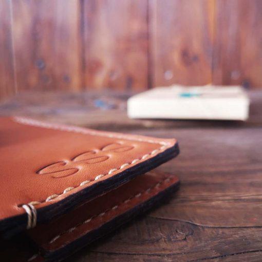 portofel minimalist buletin culoare maro portofel perosnalizat buletin